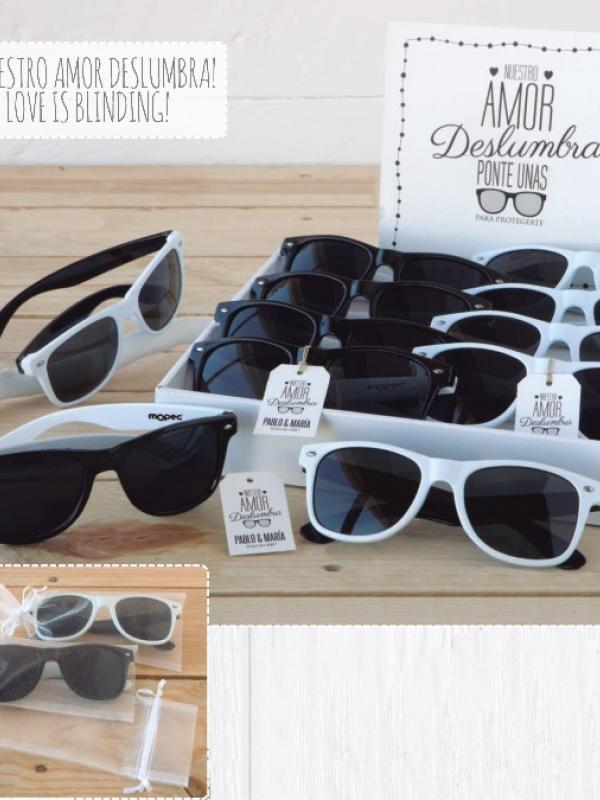 regalos originales invitadas gafas