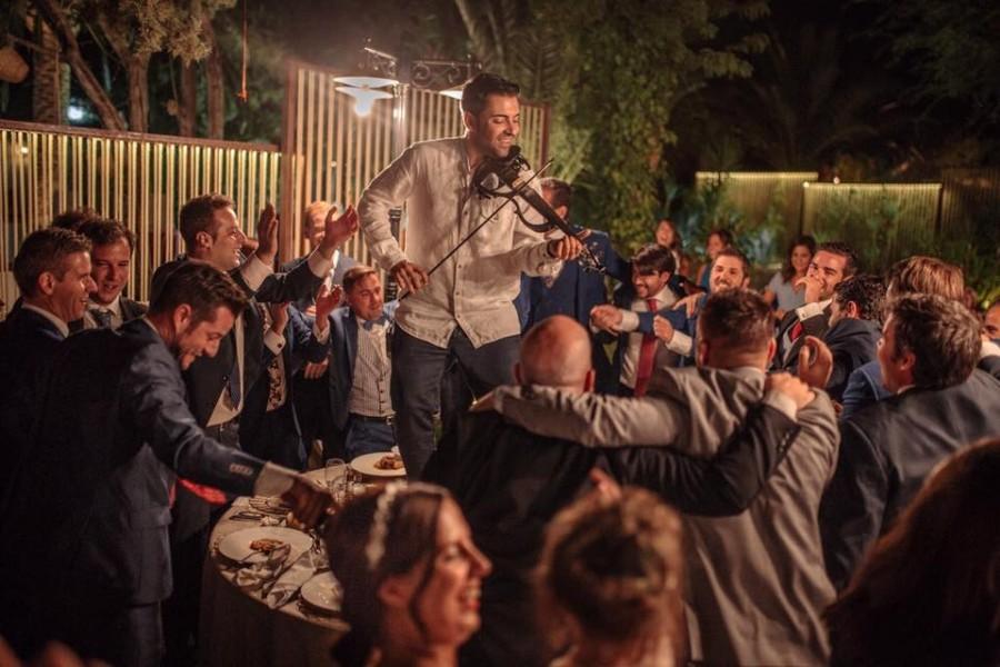 ¿Un DJ o música en directo para mi boda? Anota las ventajas de cada una